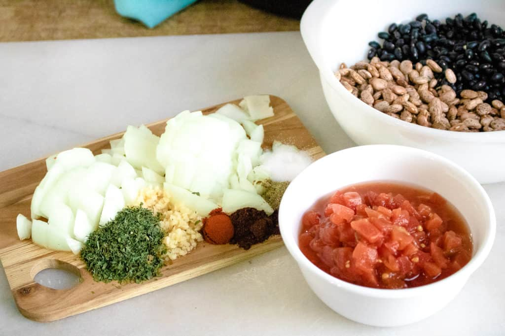 Ingredients for preparing the Instant Pot Ranchero Beans