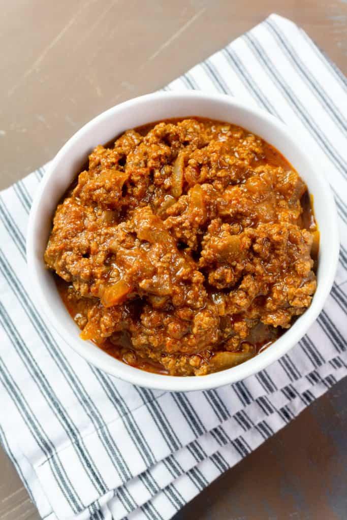 chili con carne Instant Pot recipe in white bowl