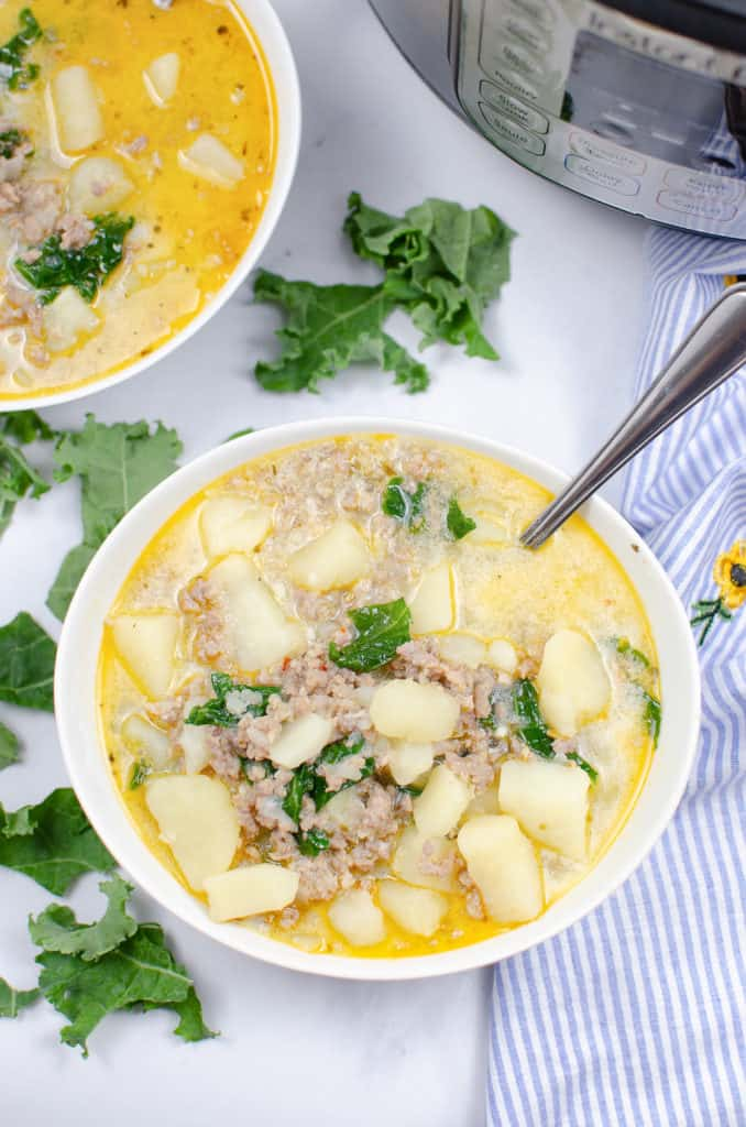 instant pot zuppa toscana in white bowl
