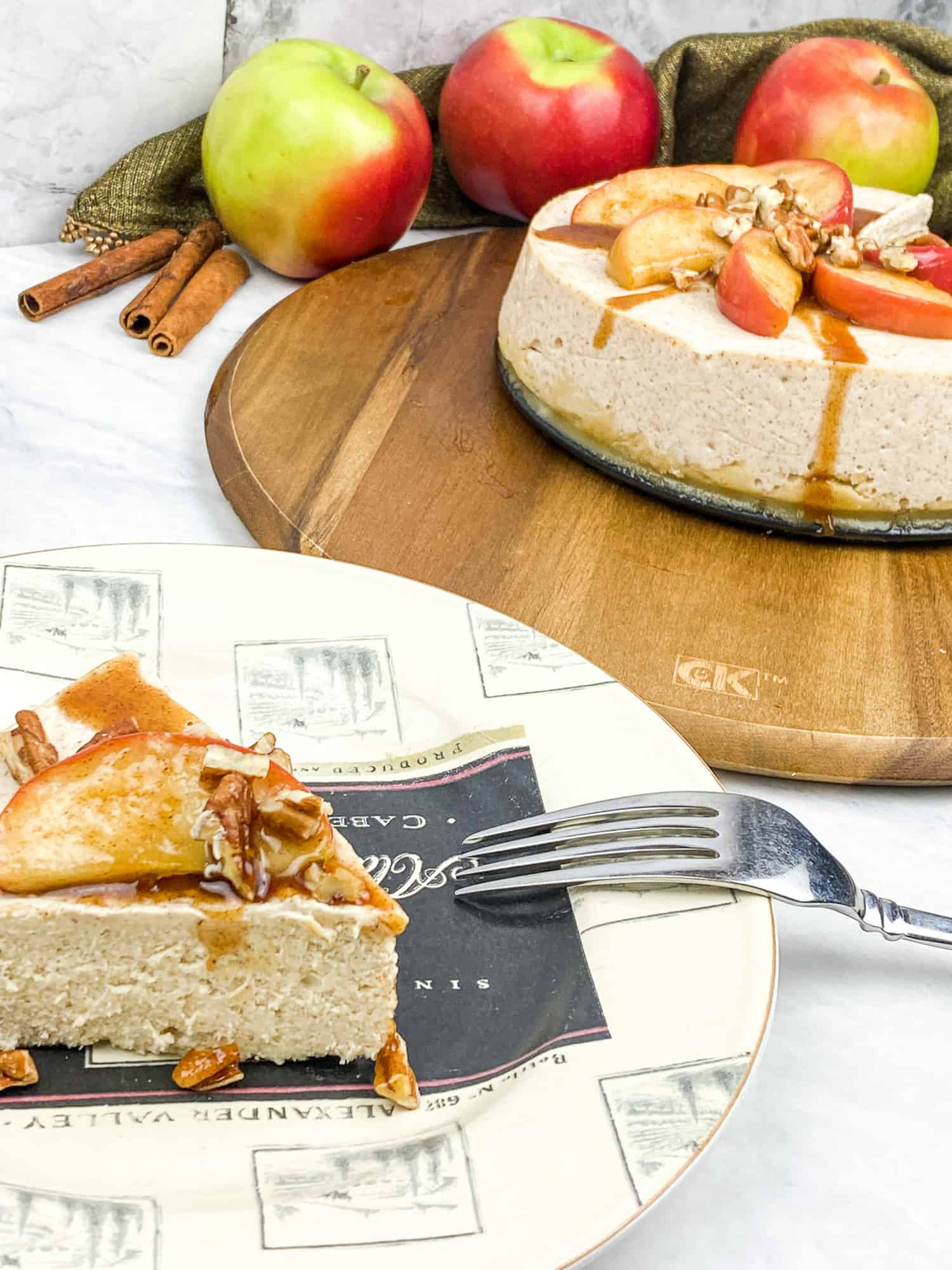 apple cheesecake slice on plate