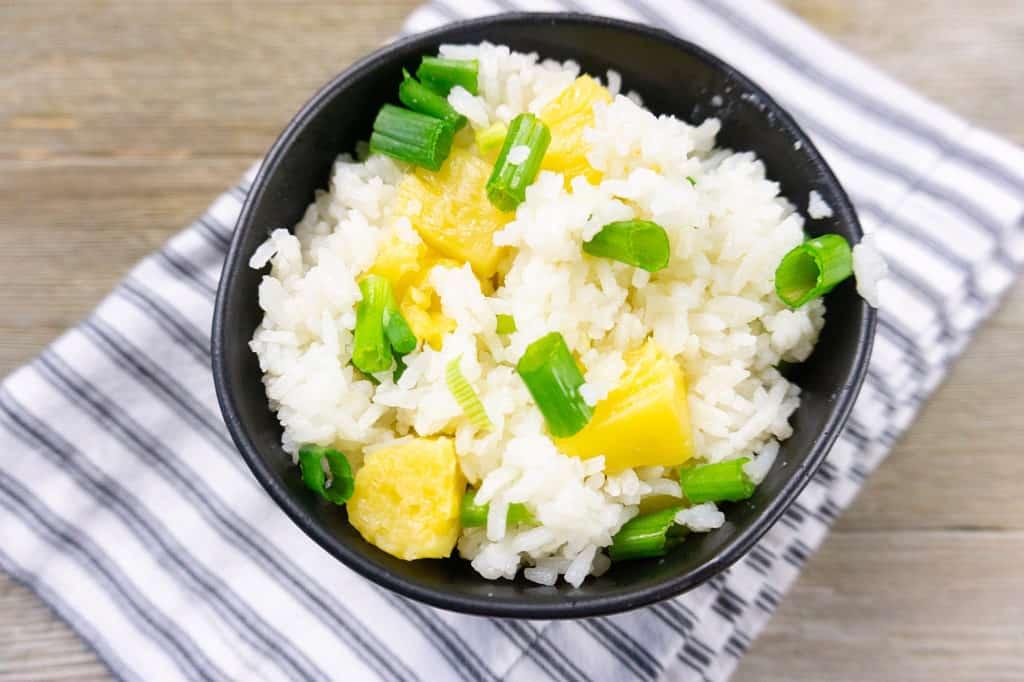 jasmine rice in black bowl