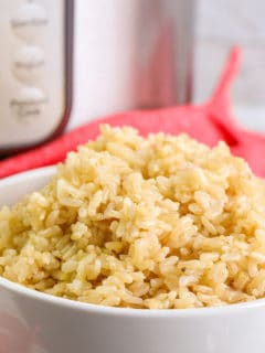 instant pot brown rice in white bowl